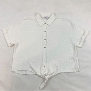 Splendid ivory cropped tie waist button up shirt
